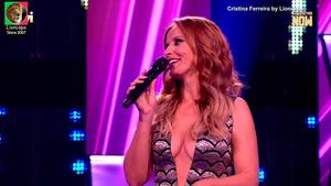Cristina Ferreira sensual a apresentar o All Together Now