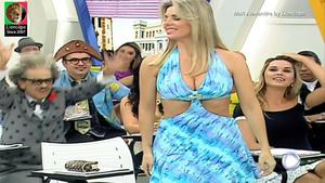 Mari Alexandre sensual na Escolinha do Gugu