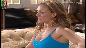 Carla Andrino sensual na novela A Outra