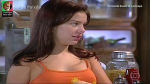 Fernanda Souza sensual em vários trabalhos