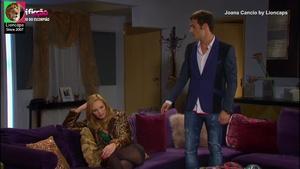 Joana Cancio sensual na novela O Beijo do escorpião