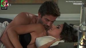 Ana Varela sensual na novela Amar Demais
