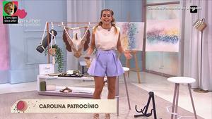 Carolina Patrocinio sensual no programa Whats Up