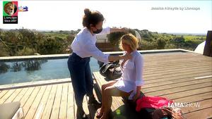 Jessica Atahyde sensual numa produção fotográfica no Famashow