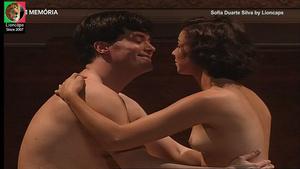 Sofia Duarte Silva nua na serie Alves dos reis