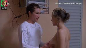 Hermila Guedes nua no filme O céu de Suely